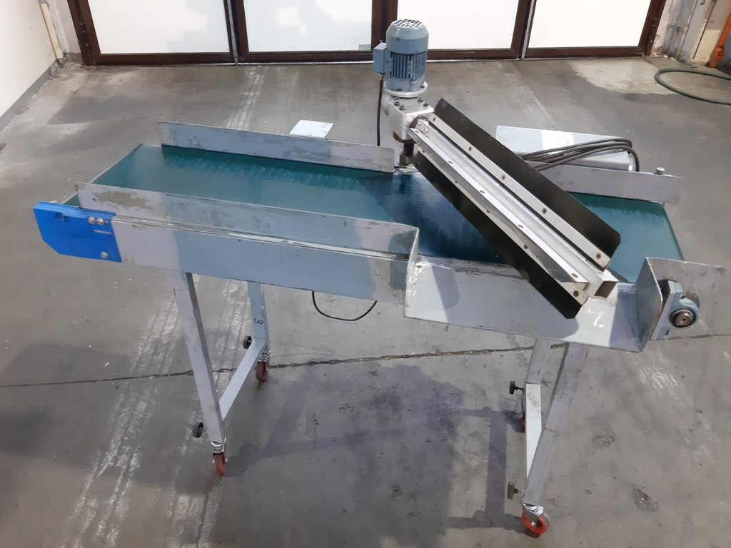 Convoyeur plat a separateur a palettes equip industry machines quipements p riph riques - Tapis alimentation ovin occasion ...